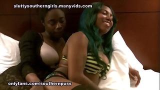 Chantel y Tytianna lesbianas follando y chorreando